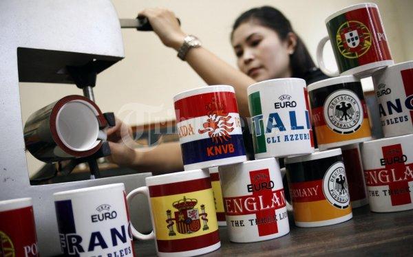 Keuntungan Usaha Menggunakan Mesin Press Mug