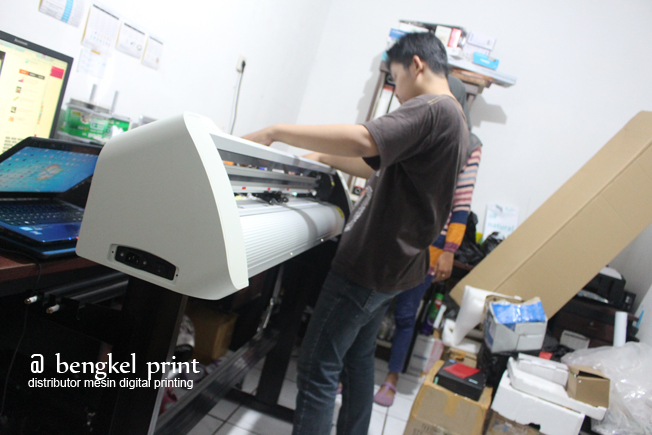 mesin cutting sticker murah