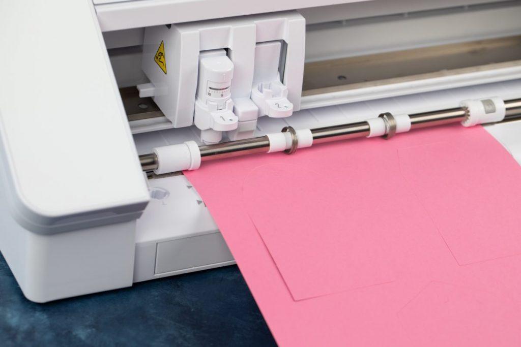 trik memotong kertas tanpa matras